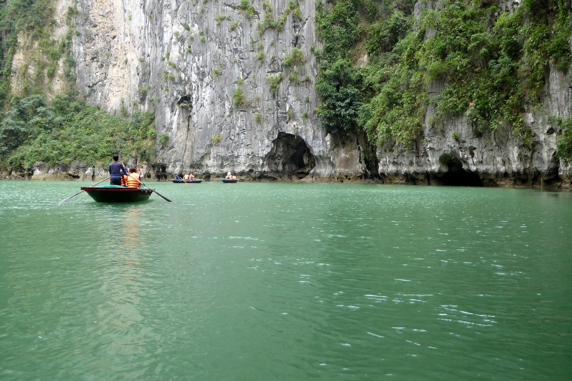 Golful Ha Long, cu dragonii în patrimoniul UNESCO