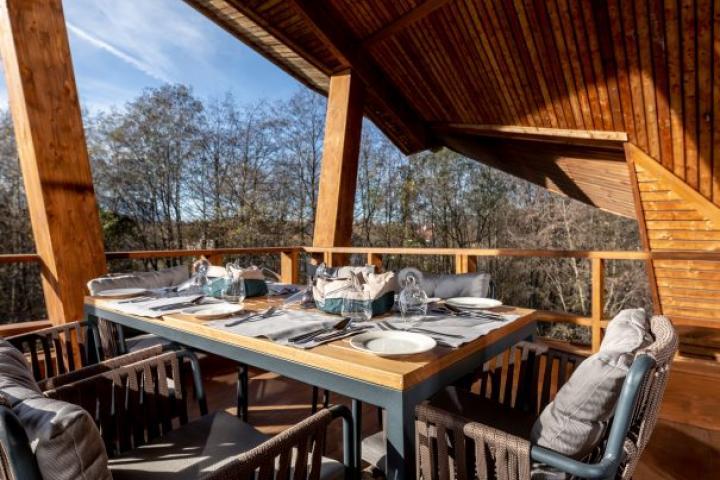 Cuibul de lemn - arts&craft si drumetii in familie. Explore Travel